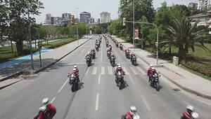 Motosikletli polis konvoyu Bağdat Caddesinden geçti