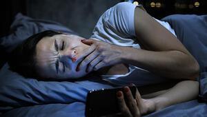 Geceleri cep telefonundan uzak durmanız için 3 sebep