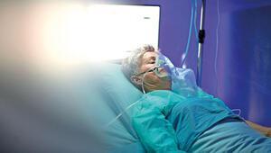 Hürriyet Bilim Kurulu yanıtlıyor: Test negatif çıksa bile hastane tutabilir
