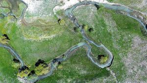 Akdenizin Sibiryasındaki menderesler görsel şölen sunuyor