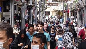 Bursada caddelerde bayram alışverişi yoğunluğu