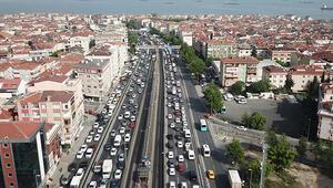 Son dakika... İstanbulda son 2 ayın en yoğun trafiği