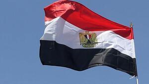 Mısır memur maaşlarında kesintiye gitti