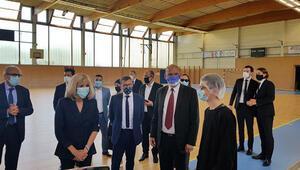 Brigitte Macron, Türk dernek yetkilileriyle görüştü