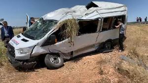Şanlıurfada yolcu minibüsü devrildi 13 yaralı