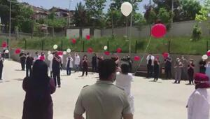 Son koronavirüs hastalarının taburcu edildiği hastanede kutlama