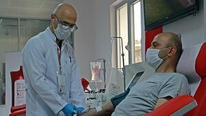 Koronavirüsü yenen polis memuru, immün plazma bağışında bulundu