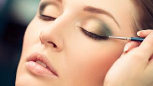 Kusursuz Çizgiler İçin En İyi 10 Eyeliner