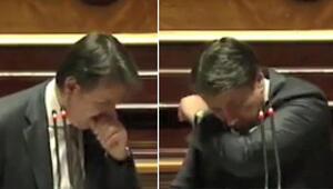 İtalya Başbakanı Conte'nin öksürük krizine Maske tak tepkisi