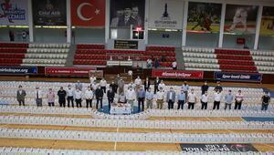 İzmirde amatör kulüplere destek 1.200 erzak kolisi...