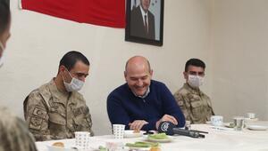 Cumhurbaşkanı Erdoğandan İkiyaka Dağlarındaki askerlere sürpriz telefon