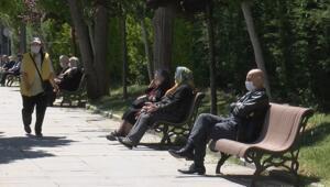 65 yaş ve üstü bayramın birinci günü verilen izinle sokağa çıktı