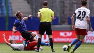 Zirvedekilerden gol sesi çıkmadı Arminia Bielefeld, Hamburgtan 1 puanla döndü...