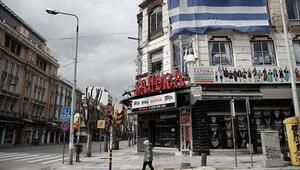 Yunanistanda kafe ve restoranlar açıldı