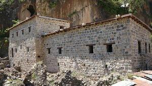 Çukurcada 400 yıllık taş evlerin restorasyonunda sona gelindi