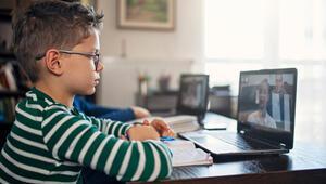 Çocuklar salgın sonrası sosyal medyada zaman geçiriyor