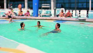 Prof. Dr. Ceyhandan tatile gideceklere uyarı Havuz ya da denizde yüzerken...