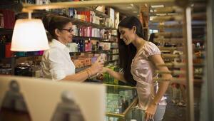 Kozmetik ürünler nasıl satın alınacak Parfüm, göz kalemi, rimel, ruj ve allık nasıl satın alınacak
