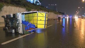 Maltepede 4 aracın karıştığı trafik kazasında 6 kişi yaralandı