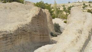 Frigyadaki Antik Yolun gizemli izleri jeolog ve arkeologların dikkatini çekiyor