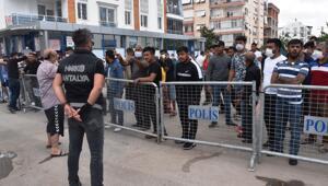 Antalyada bir mahallede karantina gerginliği