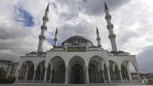 Konyada hangi camilerde cuma namazı kılınacak İşte Konyada cuma namazı kılınacak camilerin listesi
