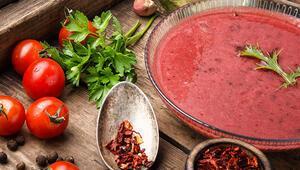 Yaz domatesleri geliyor, soğuk domates çorbası hazırlıkları başlasın