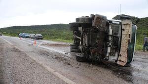 Devrilen kamyonun sürücüsü yaralandı