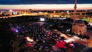 Aksaray'da otomobille açık hava sineması etkinliği