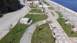 Balıkesirdeki park ve bahçelere sosyal mesafe çemberi