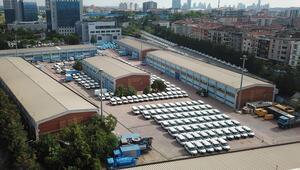 İSKİnin bahçesinde dikkat çeken yüzlerce araç