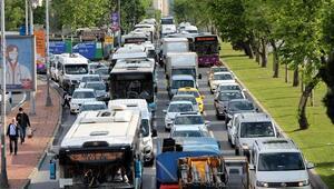Özel araçlar çoğaldı: 'İstanbul trafiğinde yoğunluk kaçınılmaz'