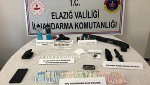 Uyuşturucu şüphelisi, tabanca ve pompalı tüfekle yakalandı