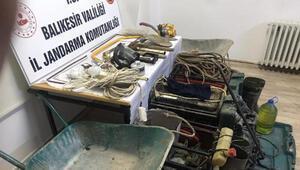 Manyasta kaçak kazıya 3 gözaltı