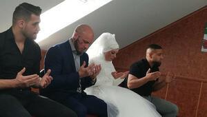 İslamı seçen Avusturyalı şampiyon dövüşçü Ottun nişanlısı da Müslüman oldu