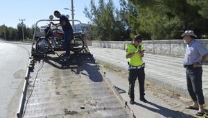 Adıyamanda motosiklet devrildi: 2 yaralı