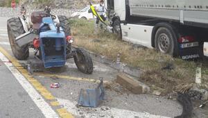TIR ile traktör çarpıştı: 1 ağır yaralı