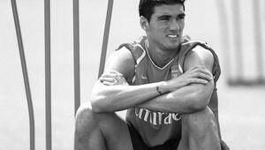 Arsenal ve Sevilla, eski futbolcuları Reyesi unutmadı