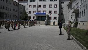 Vali Çağatay, PKKlıları etkisiz hale getiren JÖH Taburunu ziyaret etti