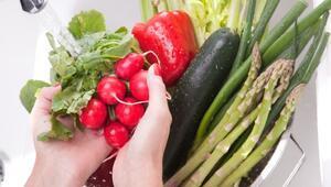 Meyve sebzelerdeki pestisit kalıntıları nasıl uzaklaştırılır