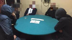 Eskişehir'de kumar oynarken yakalanan 16 kişiye 57 bin lira ceza