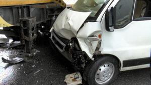 Arnavutköyde trafik ışıklarının çalışmadığı kavşaktaki kaza anı kamerada