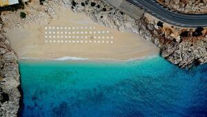 Dünyaca ünlü Kaputaş Plajında sosyal mesafeli yeni düzen