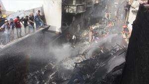 97 kişi hayatını kaybetmişti... Pakistanda düşen uçağa ilişkin dikkat çeken detaylar