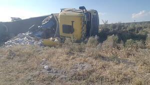Karapınarda iki ayrı kazada 3 kişi yaralandı