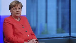 Almanya Başbakanı Merkel ırkçılığa tepki gösterdi