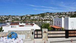 Yılmaz Özdilin villasındaki kaçak eklentilerin yıkım çalışması 7nci gününde