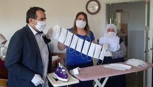 Elbistanda kadınlar gönüllü olarak maske üretiyor