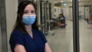 Corona virüsü yenen sağlık personelleri görevine döndü