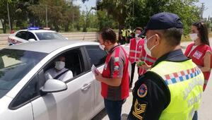 Jandarma ve Kızılaydan uyarı ve broşür dağıtımı